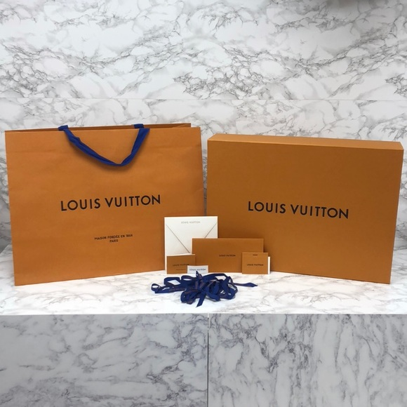 Louis Vuitton Handbags - BRAND NEW Authentic Louis Vuitton XL Box Gift Set
